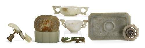 395: Collection of Chinese carved jade, to include a