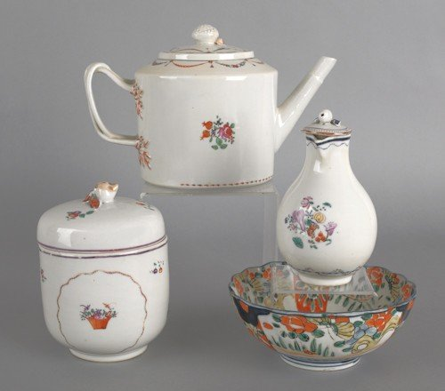 66: Chinese export porcelain teapot, sugar, and cream