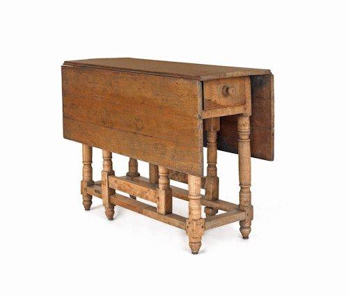 171: William & Mary walnut gateleg table, early 18th c