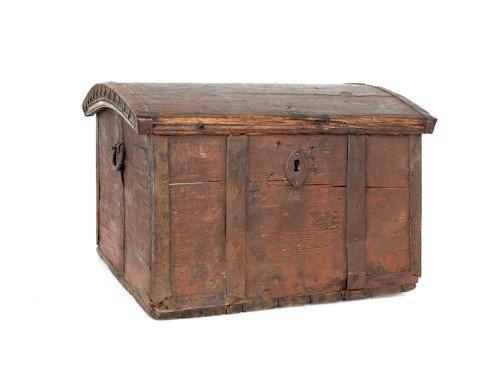 190: Continental dome lid lock box, late 18th c., 11 3