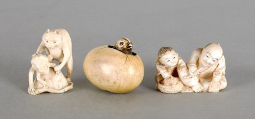 197: Two Japanese carved ivory netsuke, ca. 1900, to