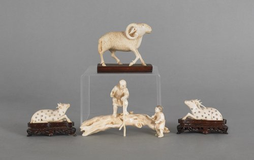 201: Two Japanese carved ivory stags, ca. 1900, toge