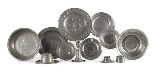 17: Collection of pewter tablewares, 18th/19th c., to