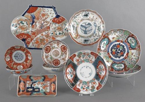 686: Nine pieces of Japanese Imari porcelain.