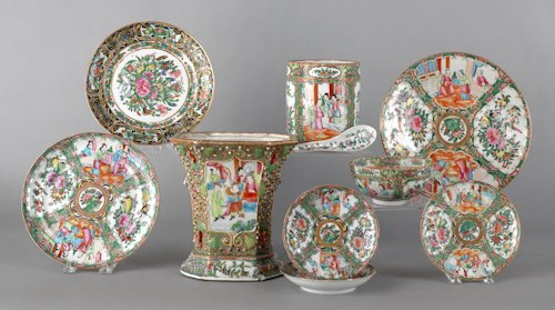 688: Group of Chinese export famille rose porcelain.
