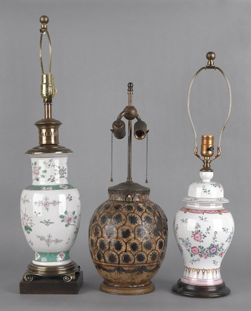 696: Two porcelain table lamps, probably Samson, toget