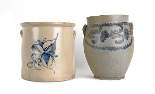18: Two blue decorated stoneware crocks, 19th c., 14