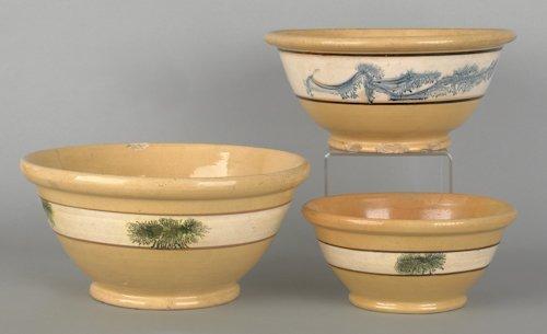 807: Three yelloware mochaware mixing bowls, 19th c.,