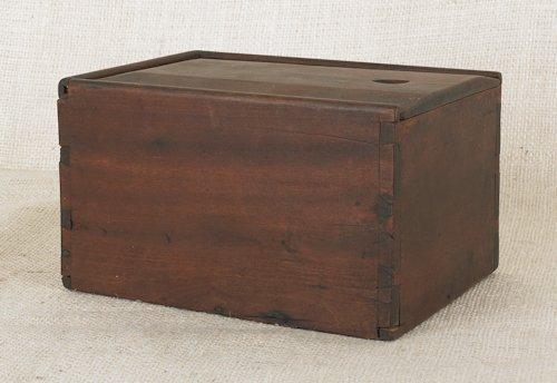 810: Pennsylvania cherry slide lid box, early 19th c.,