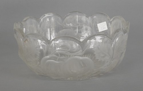 1062: Libbey cut and etched glass bowl, 3 1/2'' h., 8''