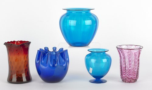 1068: Five pieces of art glass, to include a blue Syrac