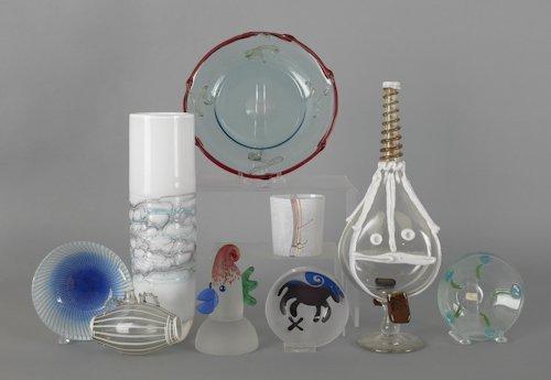 1071: Group of contemporary art glass, nine pcs.
