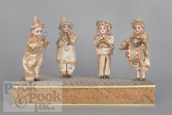 8: Squeeze box automaton musical doll band, late 19t