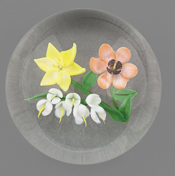 Randall Grubb floral paperweight with white, yell