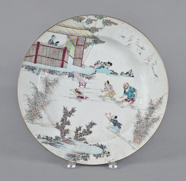 Chinese porcelain charger, early 19th c., decor