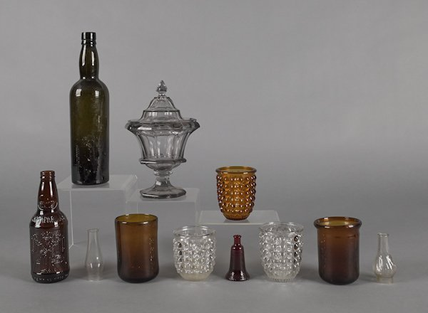 Collection of glass, to include an early olive wi