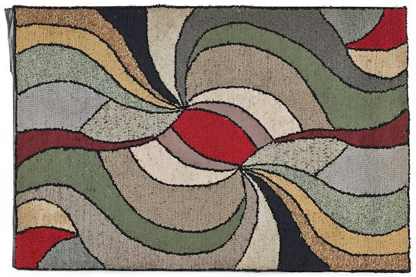 Hooked rug, 20th c., with a variegated wave, 32