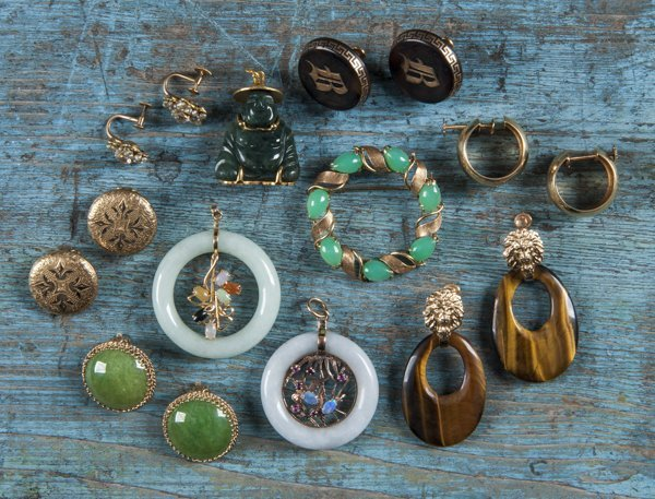 Five pair of 14K gold earrings with tortoise shel