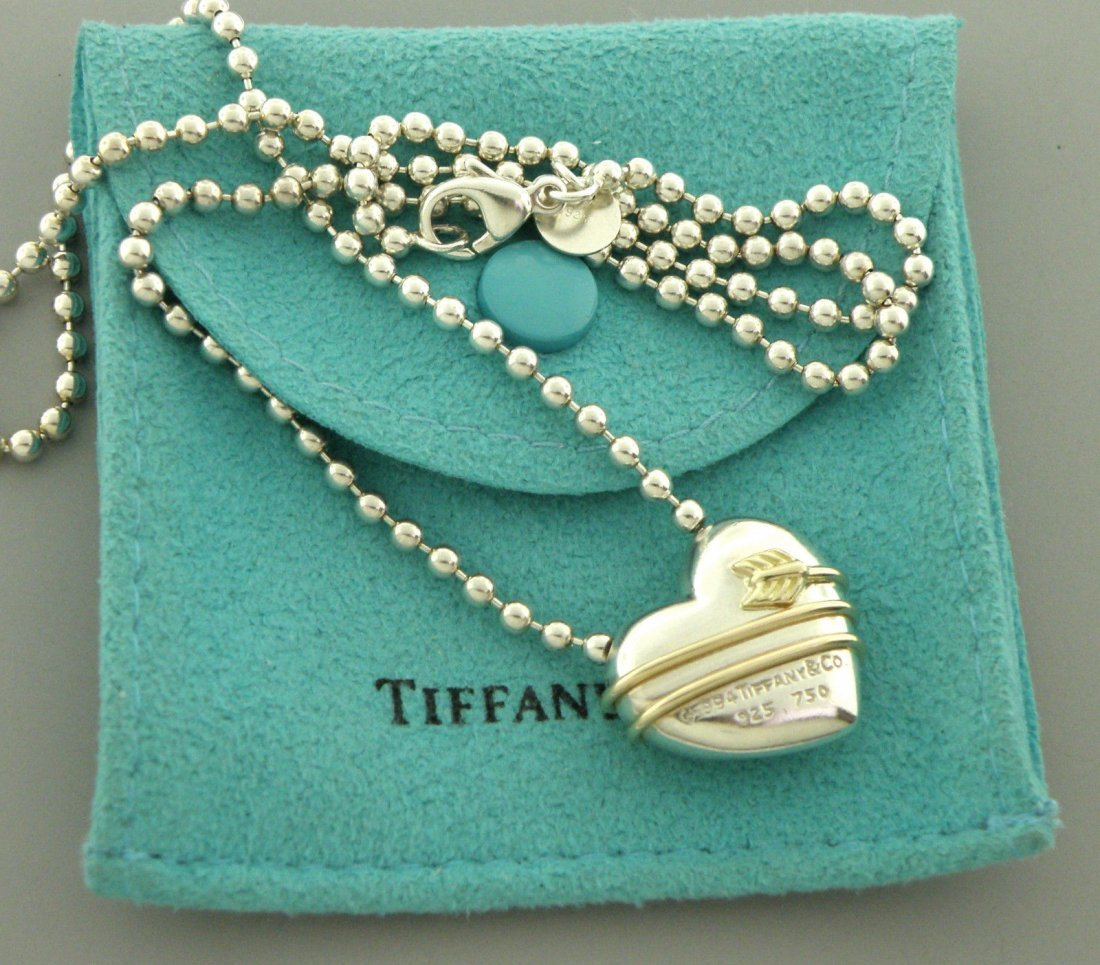 TIFFANY & Co. 18K STERLING SILVER HEART ARROW NECKLACE