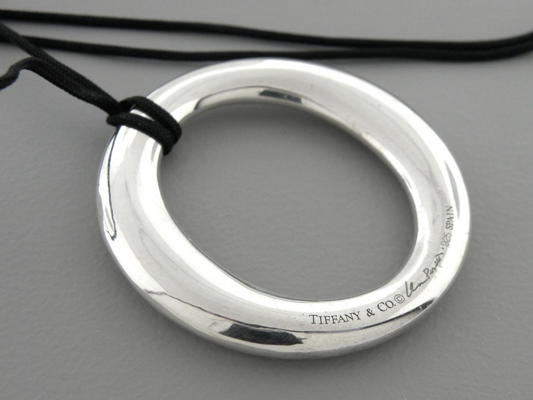 TIFFANY & Co. STERLING SILVER SEVILLANA CIRCLE NECKLACE