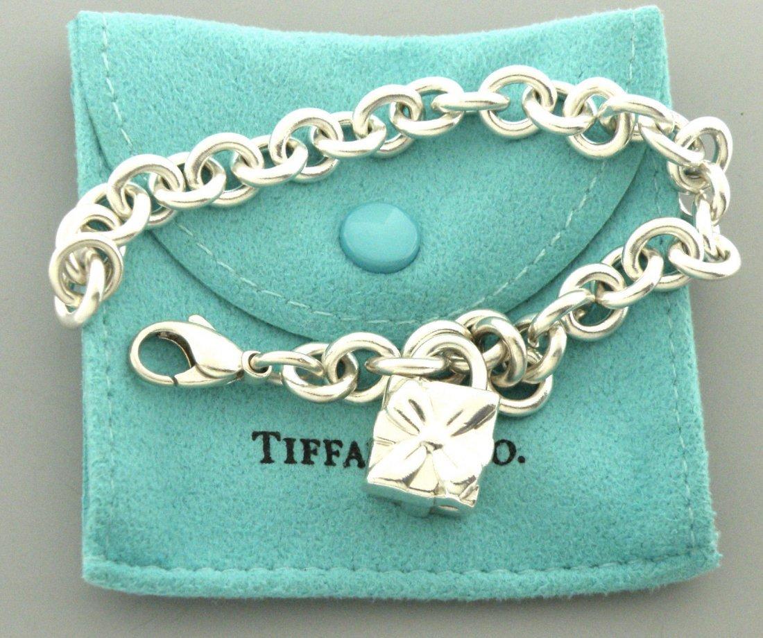 TIFFANY & Co. STERLING SILVER GIFT BOX BRACELET POUCH