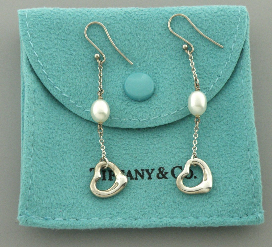 TIFFANY & Co. STERLING SILVER PEARL HEART EARRINGS