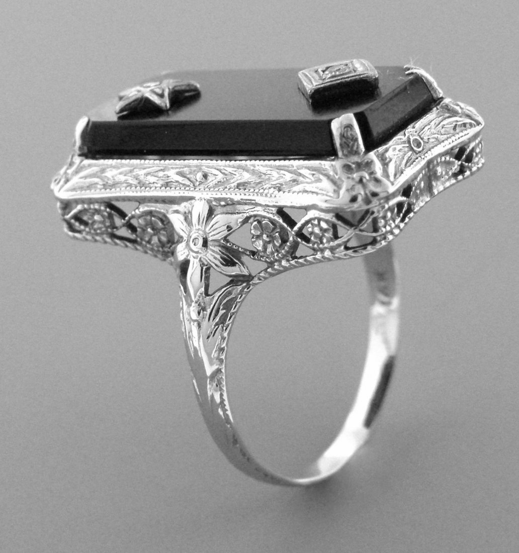 ANTIQUE VINTAGE 14K WHITE GOLD ONYX & DIAMOND RING