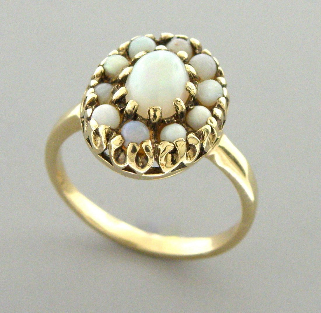 VINTAGE 14K YELLOW GOLD LADIES OPAL COCKTAIL RING