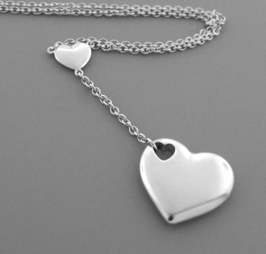 TIFFANY & Co. STERLING SILVER LADIES HEART NECKLACE