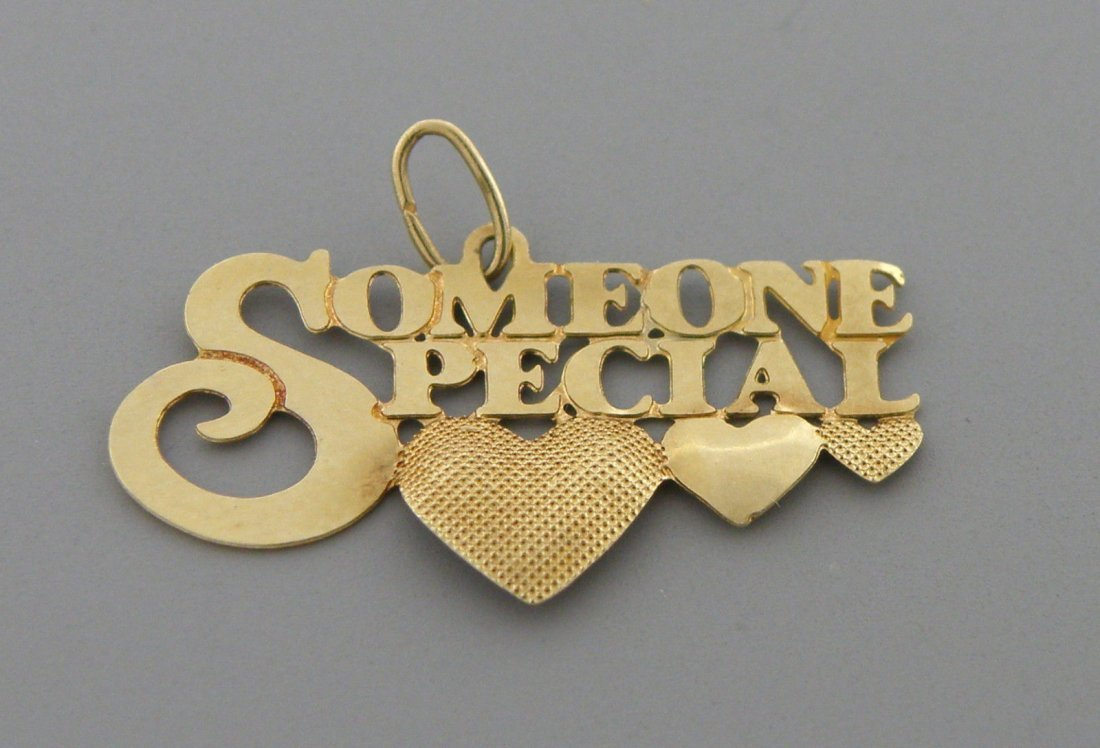 VINTAGE 14K YELLOW GOLD SOMEONE SPECIAL HEART PENDANT