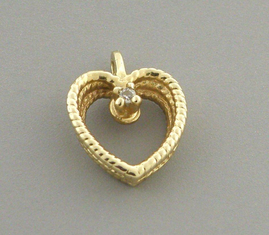 VINTAGE 14K YELLOW GOLD DIAMOND HEART PENDANT OR CHARM