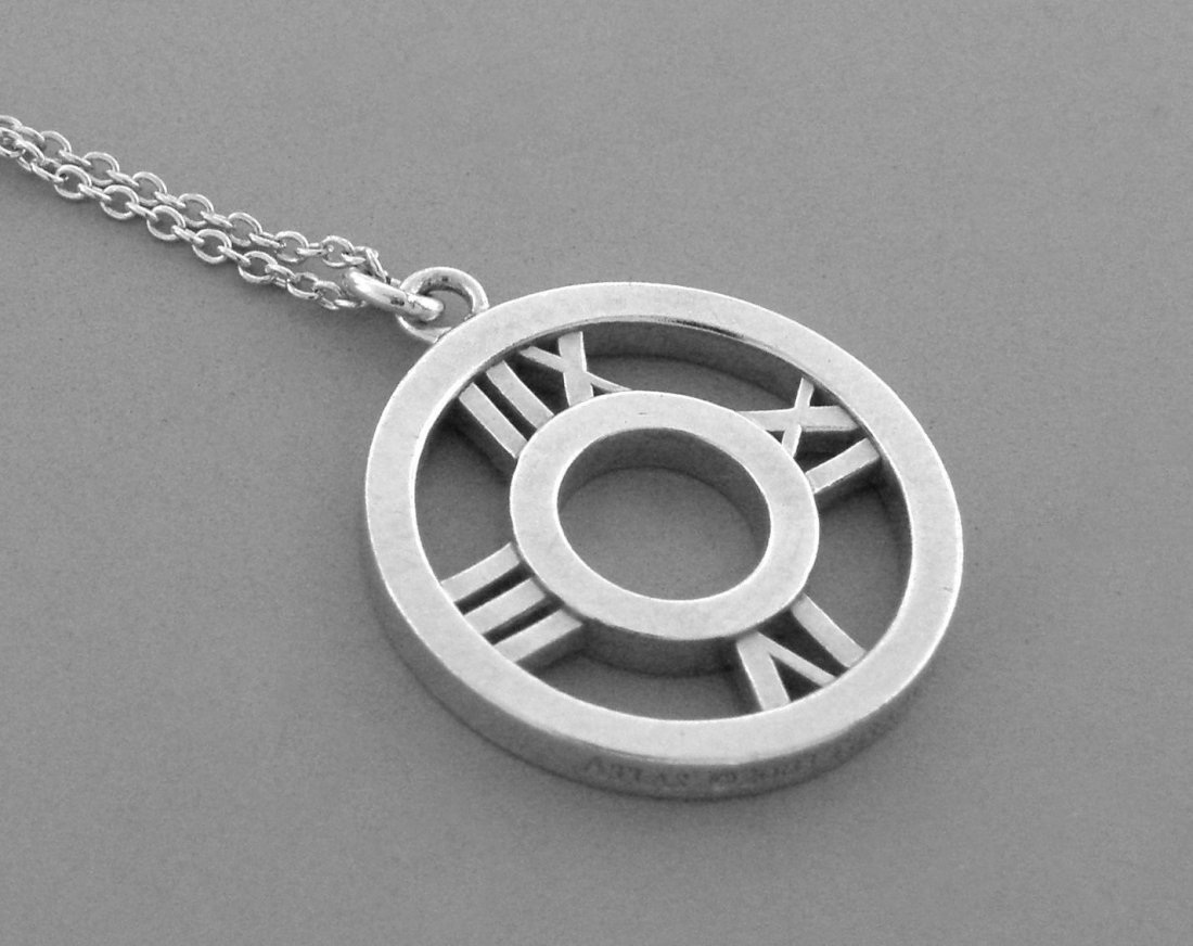 TIFFANY & Co. STERLING SILVER ATLAS ROUND NECKLACE