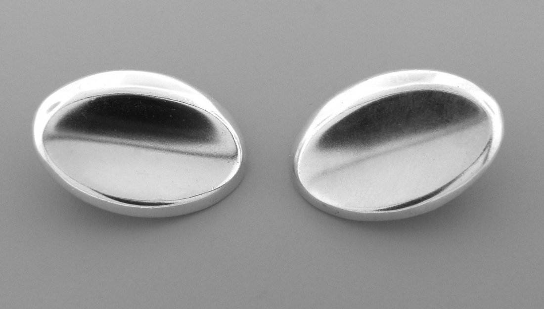 TIFFANY & Co. STERLING SILVER LARGE OVAL CLIP EARRINGS