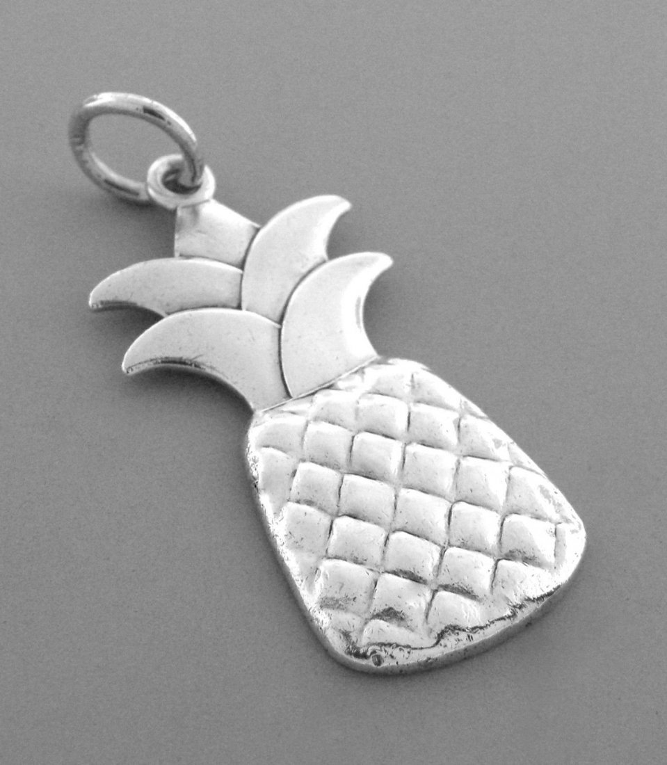 TIFFANY & Co. STERLING SILVER PINEAPPLE CHARM PENDANT