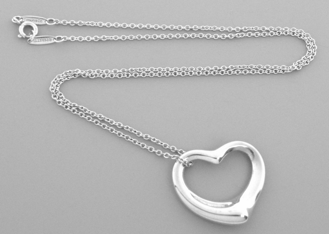 TIFFANY & Co. STERLING SILVER OPEN HEART CHAIN NECKLACE