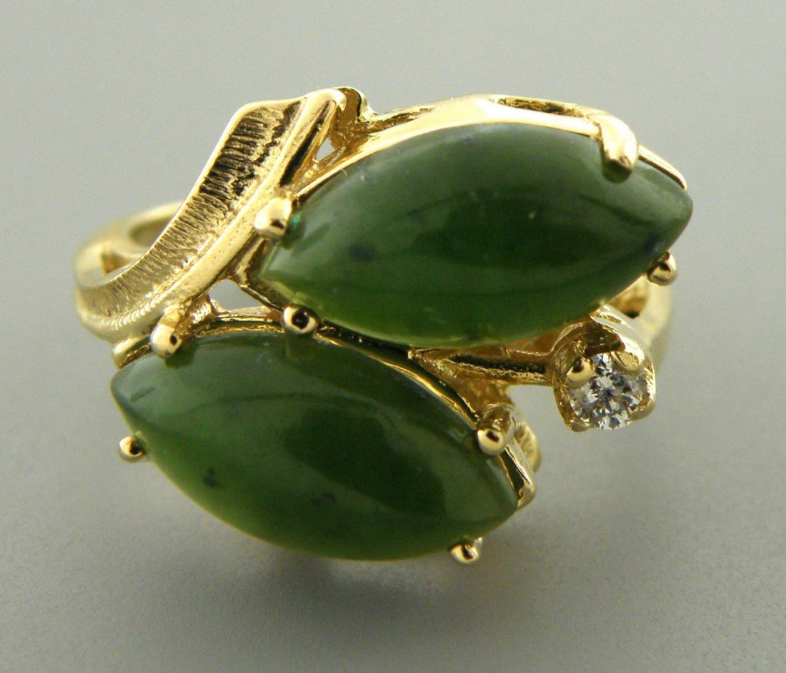 VINTAGE 14K Y/ GOLD DIAMOND GREEN JADE COCKTAIL RING - 2