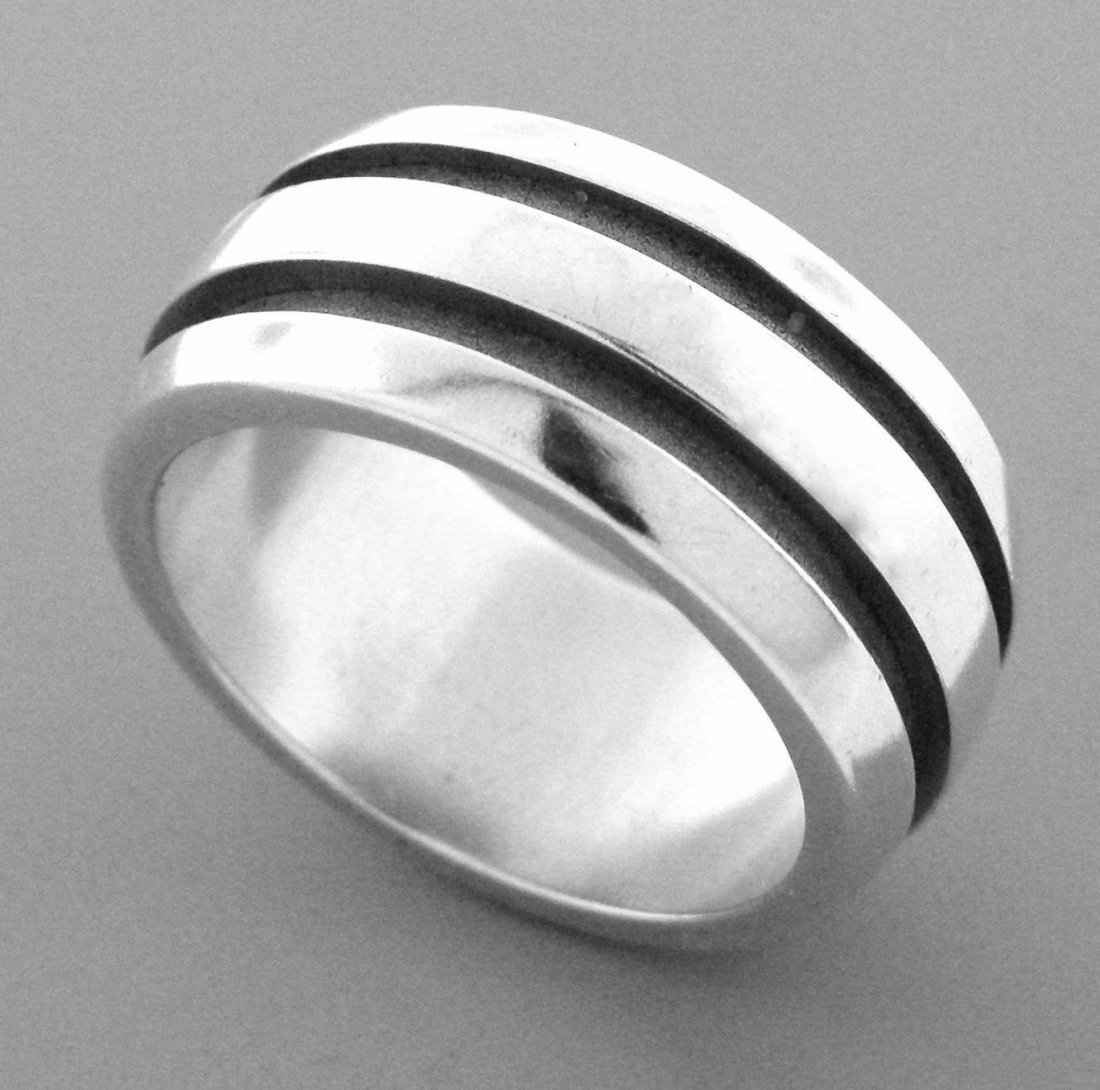 TIFFANY & Co. STERLING SILVER ATLAS GROOVED BAND RING