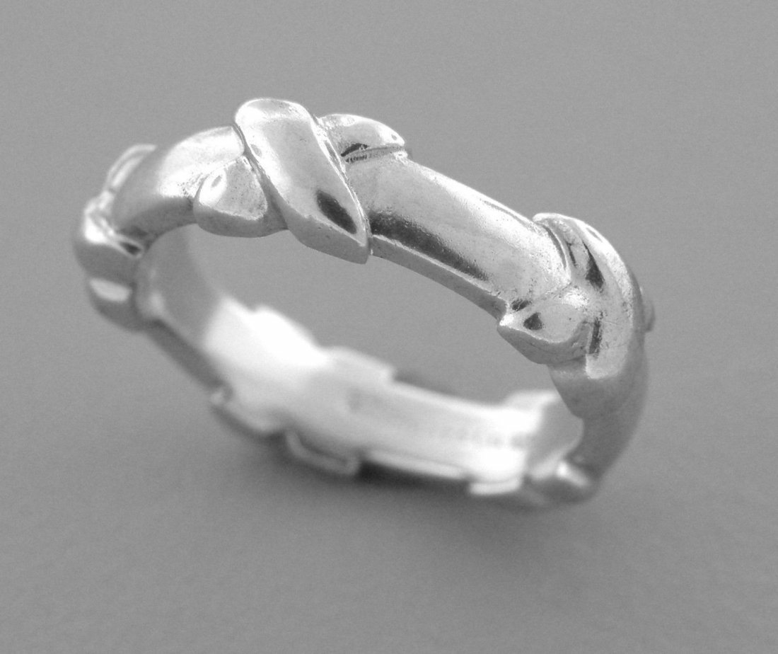 TIFFANY & Co. STERLING SILVER LADIES X RING BAND