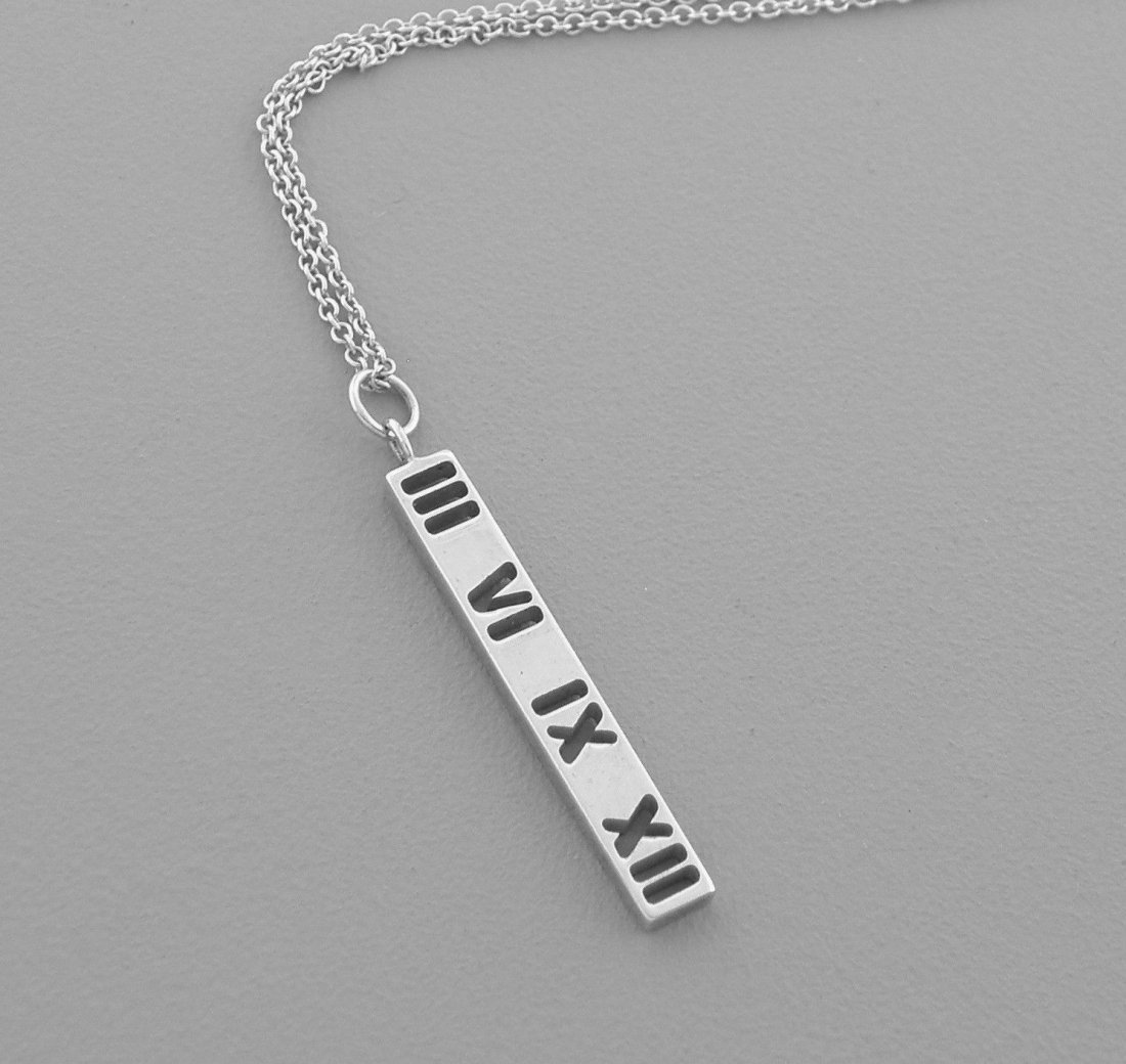 TIFFANY & Co. STERLING SILVER ATLAS CUT OUT NECKLACE
