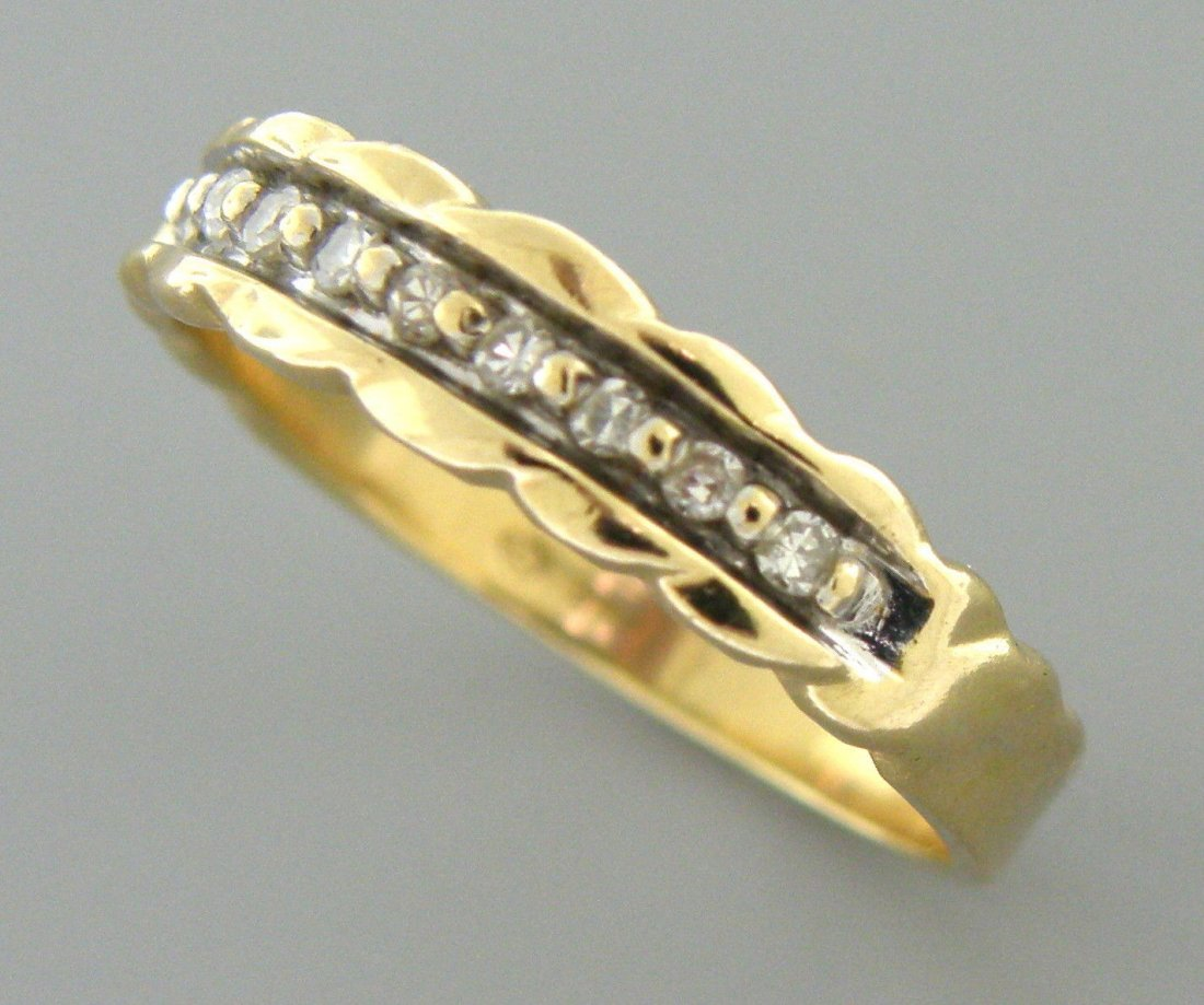 VINTAGE 14K YELLOW GOLD DIAMOND RING WEDDING BAND