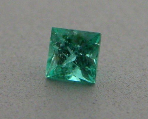 3mm PRINCESS CUT LOOSE NATURAL COLOMBIAN EMERALD