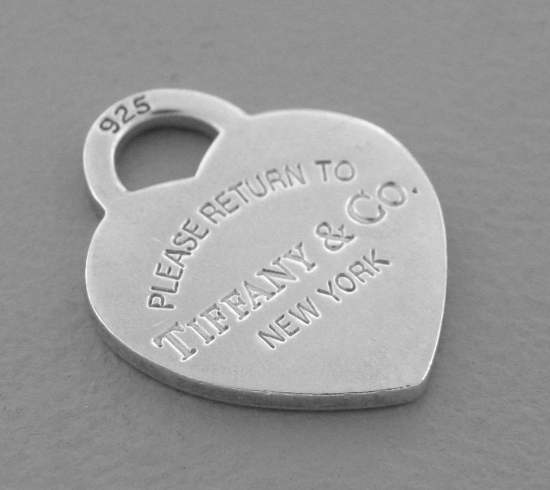 TIFFANY & Co. STERLING SILVER RETURN TO. HEART PENDANT