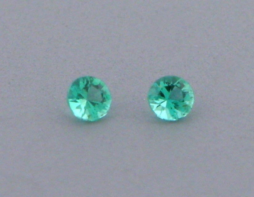 2.5mm MATCHING PAIR ROUND CUT NATURAL COLOMBIAN EMERALD