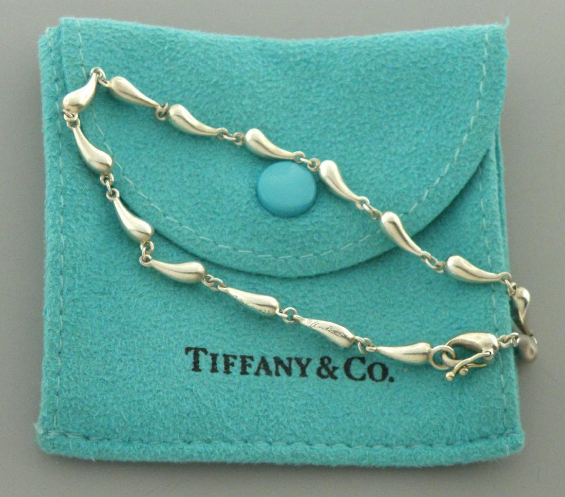 TIFFANY & Co. STERLING SILVER TEARDROP BRACELET