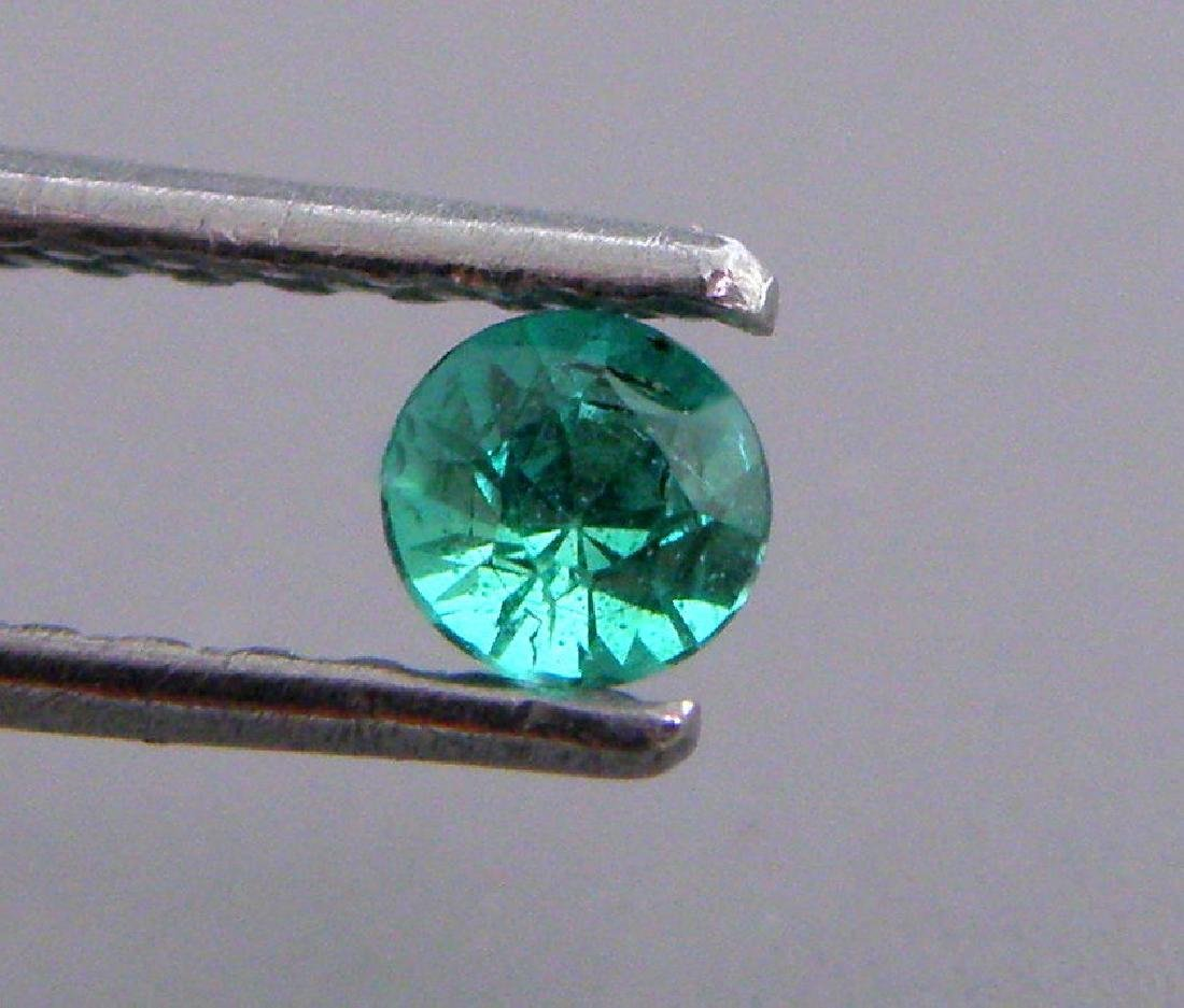 3mm ROUND CUT NATURAL COLOMBIAN EMERALD - 2