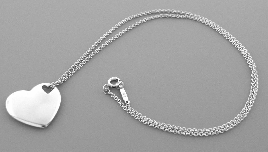TIFFANY & Co. STERLING SILVER HEART CHAIN NECKLACE - 2
