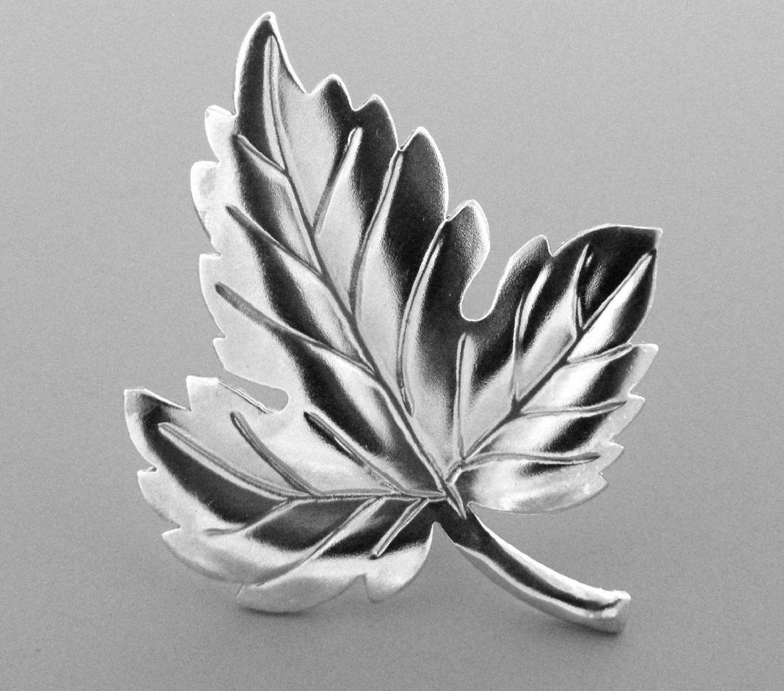 VINTAGE TIFFANY & Co. STERLING SILVER LEAF BROOCH PIN