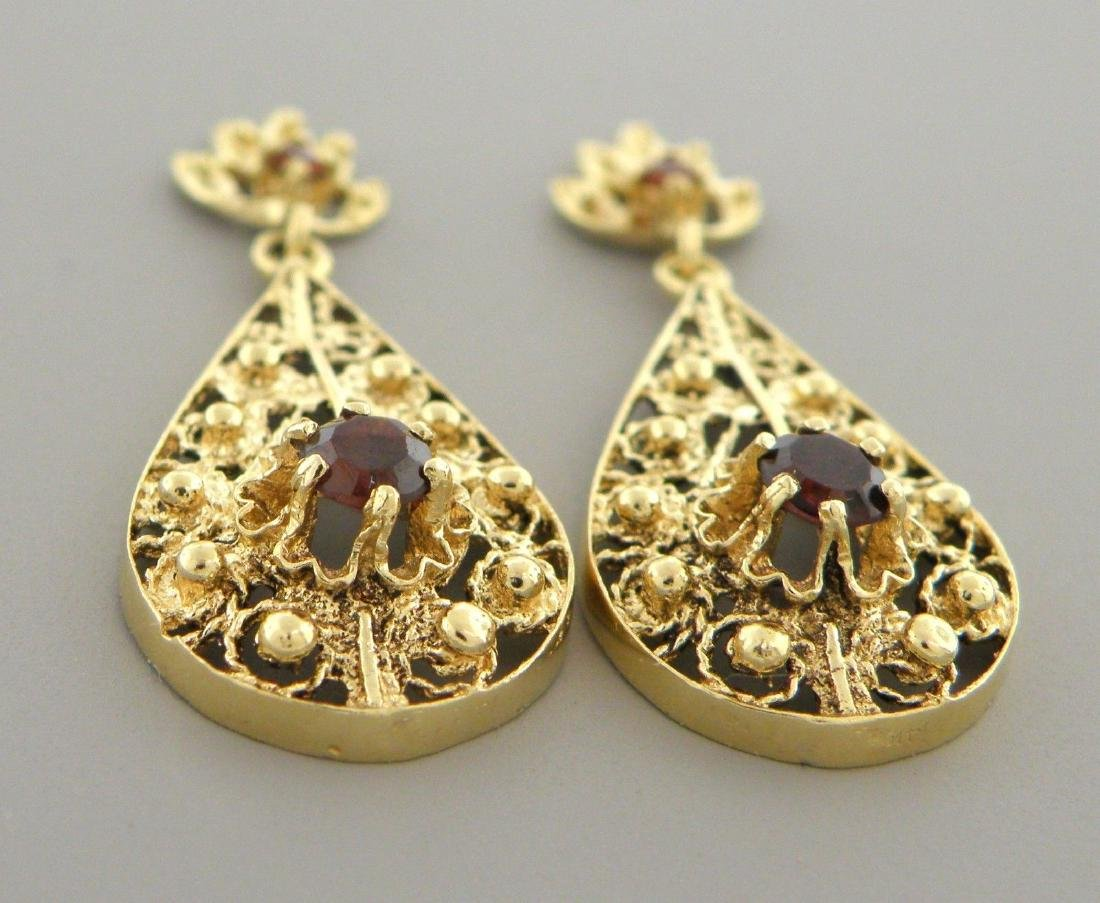 VINTAGE 14K YELLOW GOLD GARNET DANGLE DROP EARRINGS - 2