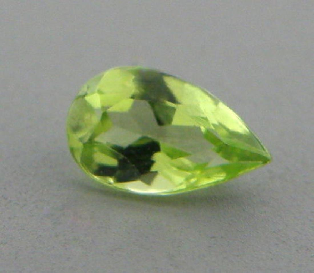 10x7mm LOOSE NATURAL PEAR SHAPE GREEN PERIDOT