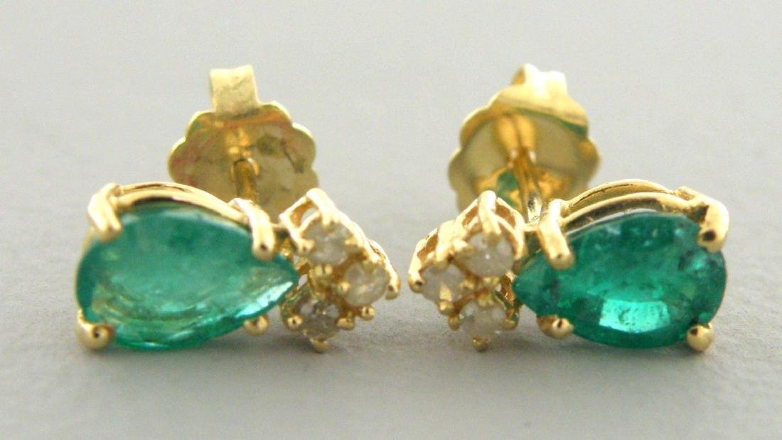 14K YELLOW GOLD LADIES DIAMOND & EMERALD STUD EARRINGS - 2
